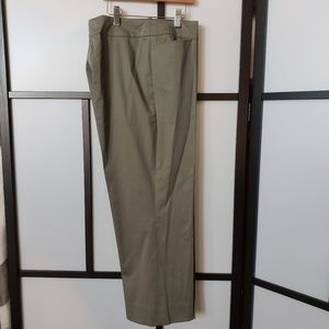 AKRIS Punto olive crop stretch trousers